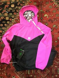 Fitness training fast sweating to lose weight. I ordered this online and just received it today but it is small for me. It is brand new. It even has the label. I paid $60 US just want $60 Canadian Brampton, L7A 2E7