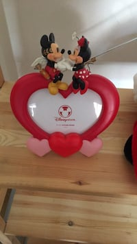 Mickey Mouse and Minnie Mouse frame Ajax, L1Z