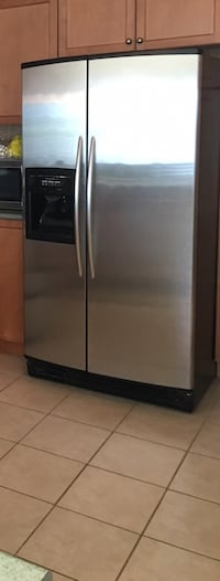 Stainless steel side-by-side refrigerator with dispenser Caledon