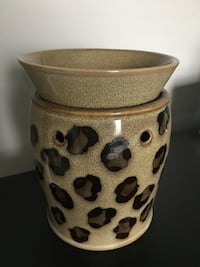 SCENTSY LEOPARD WARMER*SERIOUS INQUIRES ONLY PLS* Springfield, R0E