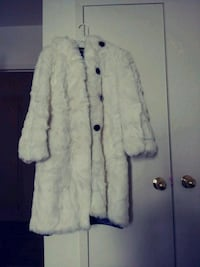 Coat fur for women size M-L Toronto, M3C 1B5