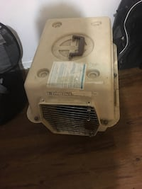 Pet carrier for small dog or cat pick up at Bay College Toronto, M4Y 1A5