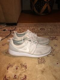 Roshe run men's sz8 Mililani, 96789
