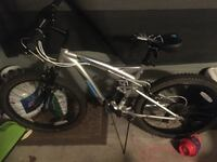 Mongoose Status 2.2 Mountain Bike Centennial, 80112