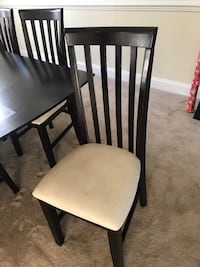 Dining room table Ranson, 25438