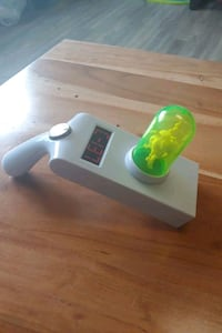 Rick and Morty Portal Gun Toy (Lights up) St. Catharines, L2R 5X1