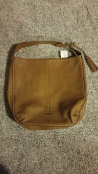 Coach purse, bnwt 32 km