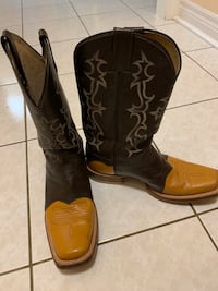 Great pair of two tone, leather high boots top condition size 9 Markham, L3T 1B3