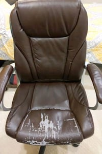 Office chair (faux leather)