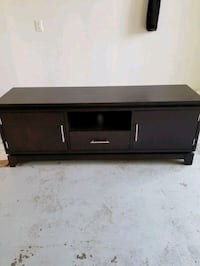 Dark wood TV/Entertainment centre Burlington, L7T 2Z4