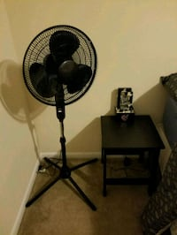(10 each) Stand up fan or small table (2avail) Fort Washington, 20744