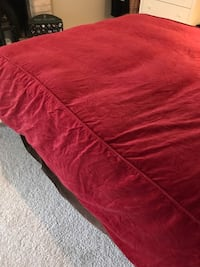 Red velvet bed clothe