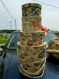Cute hat boxes,all for 10.00 Newark, 43055
