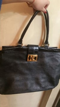 Authentic TORY BURCH large tote Surrey, V3S 8S1