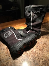 Sorel winter water proof boots Toronto, M6S 4L5