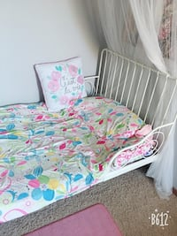 Two kids bed for sale ( extendable ) Calgary, T2Y 3K7