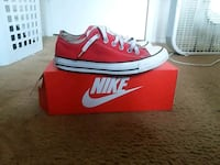 red-and-white Nike low-top sneakers Charlotte, 28269
