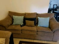 Couch 3 seater Fayetteville, 28314