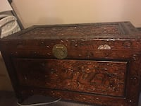 Vintage hand carved wood chest St Thomas, N5P 4B3