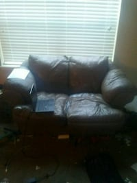 Couch Lubbock, 79424