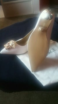 Versace new shoes made in Italy size 9  Toronto, M6A 3A8