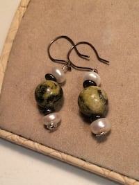 Pearl/stone Earrings  Edmonton, T6E 0R2