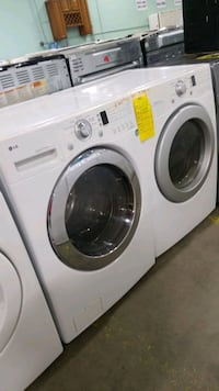 Lg electric set dryer/washer 27inches.  Manorville, 11949