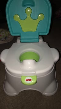 Baby's white and green potty trainer Elgin, 60120