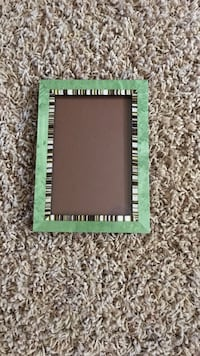 Green picture frame Reno, 89512