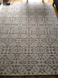 White and gray floral area rug Dorval, H9S 3H7