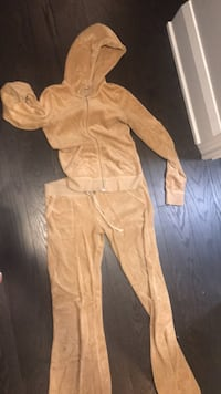 Juicy couture track suit size s Toronto, M2K