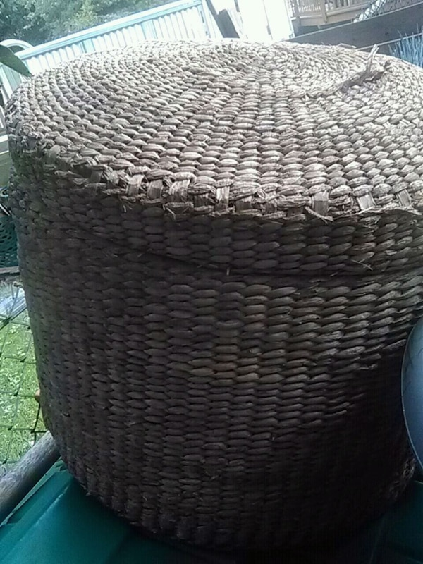 Hand woven basket w cover
