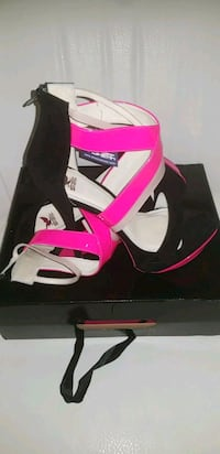 Hot pink and black hint of cream platform heel Chicago, 60666