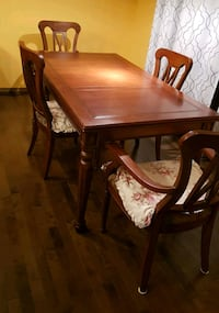 Wooden Dining Table + 4 Chairs Calgary, T2Z 4W6
