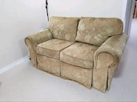 Love seat+3 Seater, Perfect condition, Pet-free, Smoke & stain free. Milton, L9T