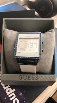 Guess women's watch Toronto, M1J 2G2