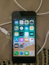 *UNLOCKED* IPHONE 5 (16GB)