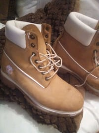 Timberland men's hiking boots size 9 m