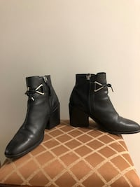 Leather Ankle Boots. In good condition!