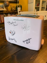 Young & the Restless AUTOGRAPHED Pink Kitchenaid Toaster Surrey, V4N 0A2