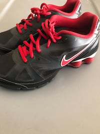 black-and-red Nike running shoes Sacramento, 95834
