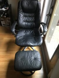 GENUINE LEATHER CUIR BLACK COMPUTER CHAIR AND FOOTREST 787 km