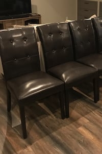 2 leather chairs Chilliwack, V2R 3G7