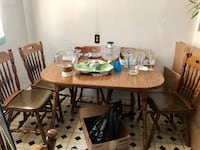 Free expandable table with 6 chairs  East Meadow, 11554