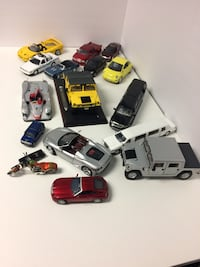 17 DIECAST COLLECTABLE MODEL CARS