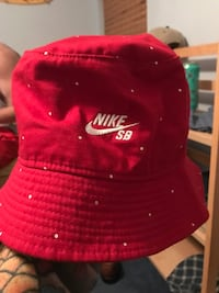 red and white Chicago Bulls fitted cap Lakewood, 90713