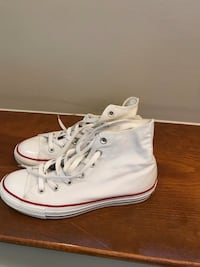 Pair of white converse all star high-top sneakers Bloomfield, 06002