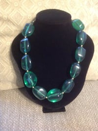 Green Bead Necklace 974 mi
