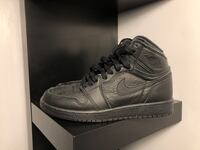 "AIR JORDAN 1 RETRO HIGH ""TRIPLE BLACK""  SIZE 5.5Y (KIDS SIZE Toronto, M6J"