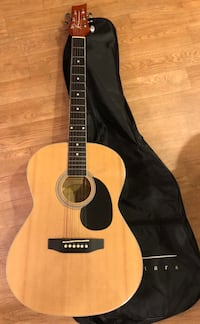 Kinna Guitar with case, rarely used, like new condition. Columbus, 43230